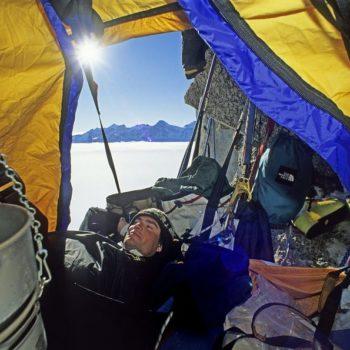 wb-Alex-Lowe-portaledge-Rakekniven-spire-Filchner-MountainsQM-6286H